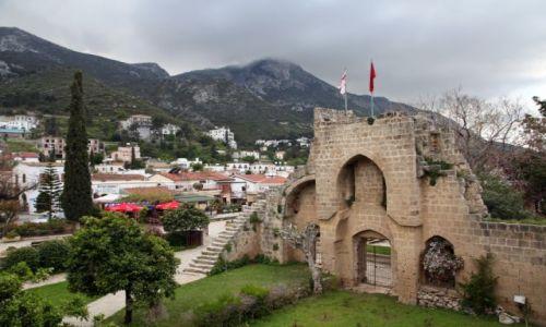 Zdjęcie CYPR / Kyrenia / Bellapais / Cypr okupowany