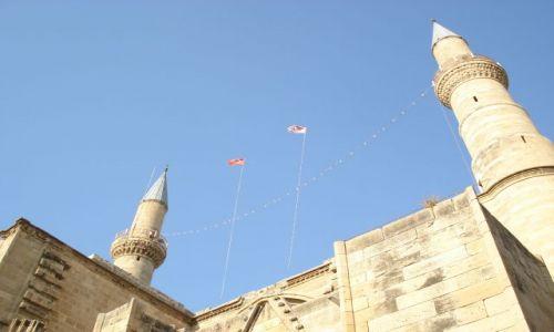 Zdjecie CYPR / Nikozja / Republika Cypru Północnego / Nikozja / Flagi