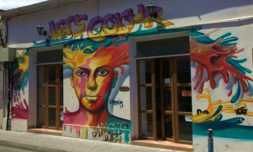Zdjecie CYPR / Limassol / Murale na Starym Mieście / Żyj kolorowo