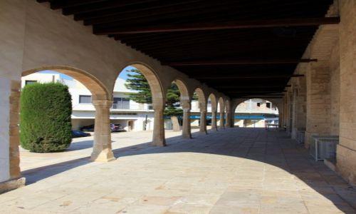 Zdjęcie CYPR / Famagusta / Paralimni, Kościół św. Jerzego / Podcienia