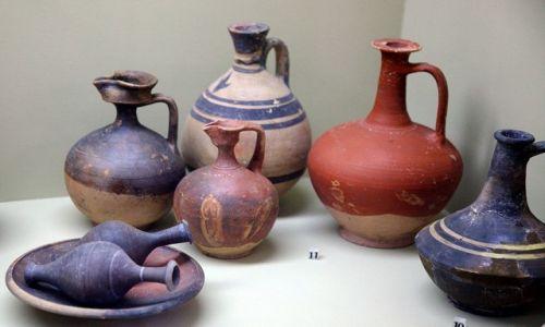 CYPR / Polis Chrysochous / Muzeum Archeologiczne / Naczynia oliwne z czasów starożytnego Marion