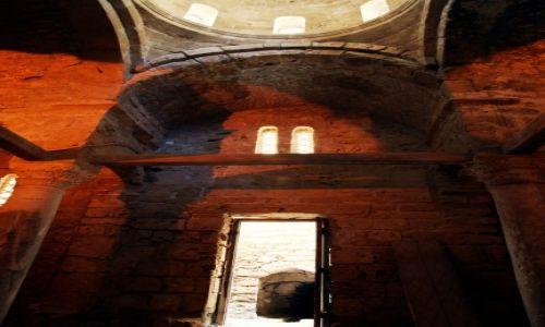 Zdjęcie CYPR / Kyrenia  / Zamek Kyrenia  / Stara świątynia na zamku
