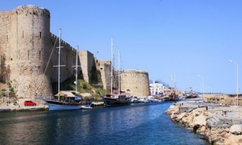 CYPR / Kyrenia  / Port / Zamek