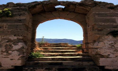 CYPR / Kyrenia  / Zamek / Schody do nikąd