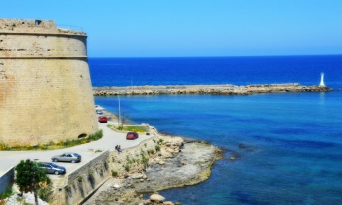 Zdjecie CYPR / - / Kyrenia / Widok na zamek