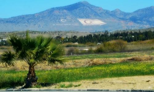 Zdjecie CYPR / - / Pomiędzy Nikozją i Kyrenią. / To jest nasz teren...