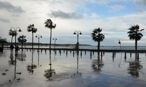 Zdjęcie CYPR / Zachód. Grecka część wyspy. / Pafos / Promenada po ulewie