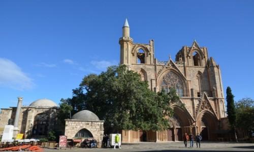 CYPR / Nikozja. Część turecka. / Nikozja / Dawna Katedra św. Zofii, obecnie meczet Salima