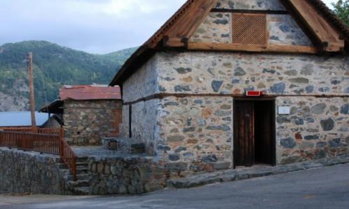 Zdjecie CYPR / Góry Troodos / gdzieś w górach / Górski kościółek w Troodos