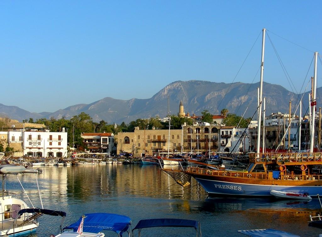 Zdjęcia: Girne, Kyrenia, Widok na port., CYPR PÓŁNOCNY