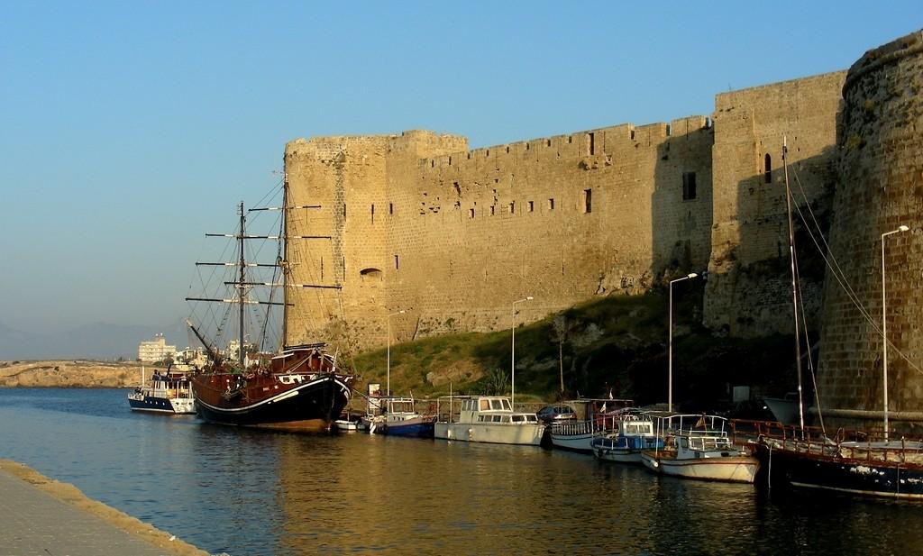 Zdjęcia: Girne, Kyrenia, Zamek twierdza, obecnie muzeum., CYPR PÓŁNOCNY
