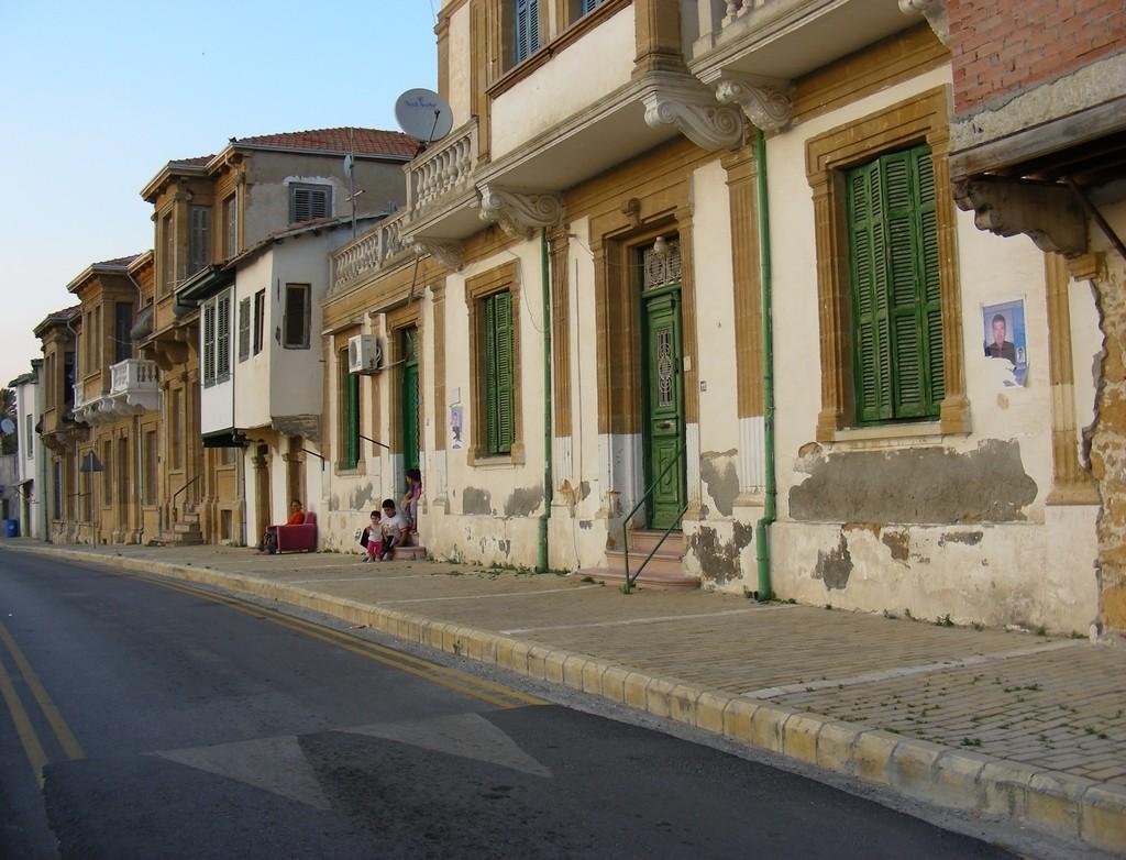 Zdjęcia: Nikozja, Nikozja, Siesta na ulicy w Nikozji, CYPR PÓŁNOCNY