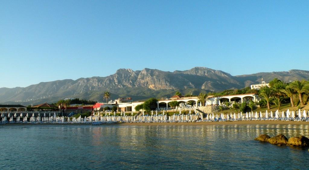 Zdjęcia: Nad brzegiem Morza Śródziemnego, okolice Yesziltepe, Kąpielisko i plaża, CYPR PÓŁNOCNY