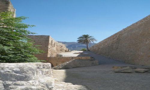Zdjecie CYPR PӣNOCNY / Kyrenia / Twierdza Port / wewn�trz twierd