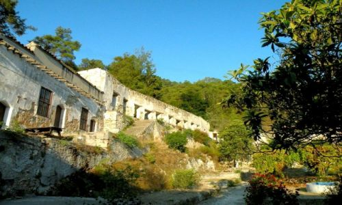 Zdjęcie CYPR PÓŁNOCNY / Kyrenia / okolice Girne / Górny budynek pustelni