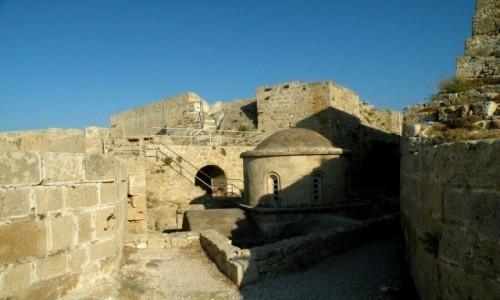 Zdjęcie CYPR PÓŁNOCNY / Kyrenia / Girne / Schron w twierdzy