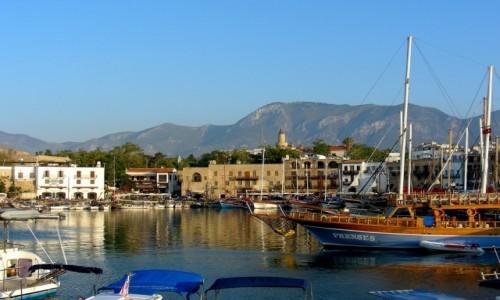 Zdjęcie CYPR PÓŁNOCNY / Kyrenia / Girne / Widok na port.
