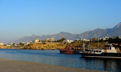 Zdjęcie CYPR PÓŁNOCNY / Kyrenia / Girne / Wyjście z portu