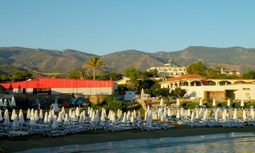 Zdjecie CYPR PÓŁNOCNY / Kyrenia /  OkoliceYesziltepe / Plaża nad Morzem Śródziemnym