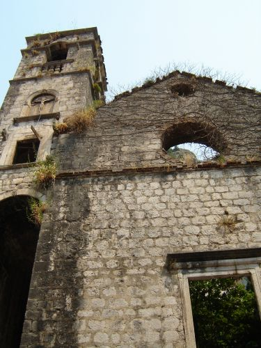 Zdjęcia: Kotor, Opuszczony klasztor..., CZARNOGÓRA