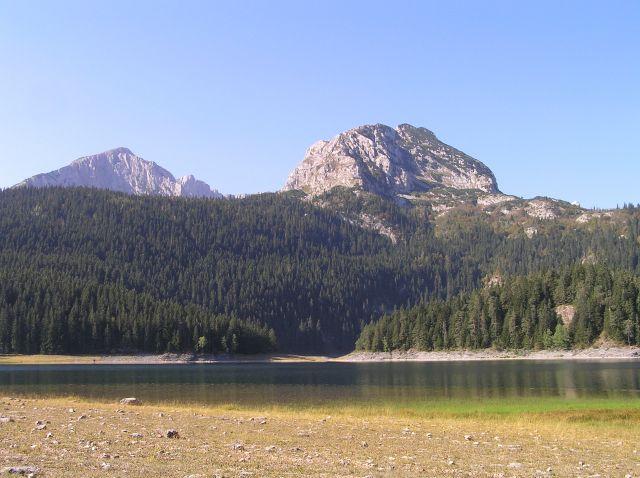 """Zdjęcia: jezioro czarne, Durmitor, widok na """"niedżwiedzia"""", CZARNOGÓRA"""