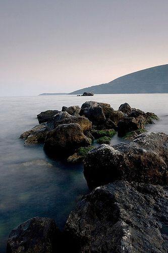 Zdjęcia: Herceg-Novi, Skały  u wybrzeży Adriatyku w Herceg-Novi, CZARNOGÓRA