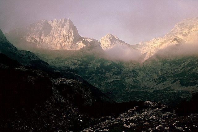 Zdjęcia: Durmitor, Katun Lokvice, Góry Dynarskie, Pogoda będzie!, CZARNOGÓRA