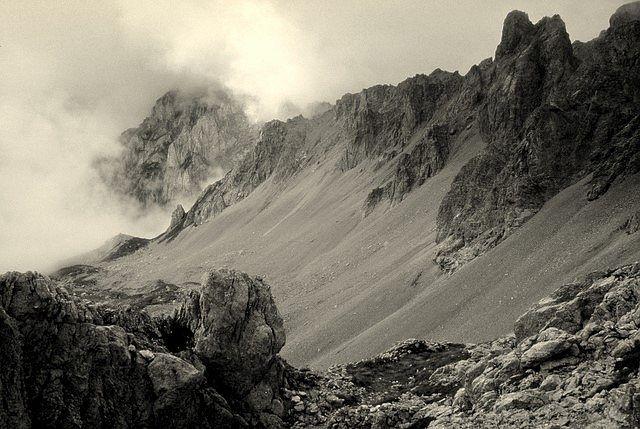 Zdjęcia: Komovi, niedaleko granicy z Albanią, Góry Dynarskie, Prawie jak Mordor, CZARNOGÓRA