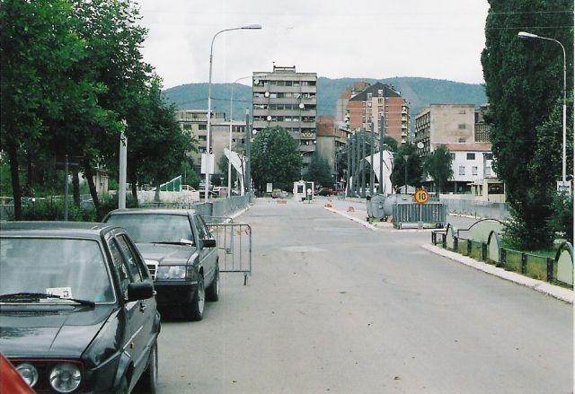 Zdjęcia: Kosovska Mitrovica, przejscie graniczne w Mitrovicy, Kosovo, CZARNOGÓRA
