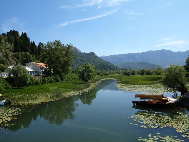 Zdj�cia: Jezioro Szkoderskie, Skrawek jeziora Szkoderskiego, CZARNOG�RA
