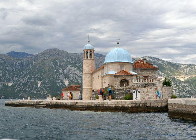 Zdjęcia: Wyspa Matki Bożej na Skale, Zatoka Kotorska, Kościół, CZARNOGÓRA