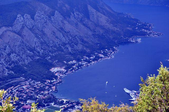 Zdjęcia: okolice Kotoru, Zatoka Kotorska, Widok z serpentyn, CZARNOGÓRA