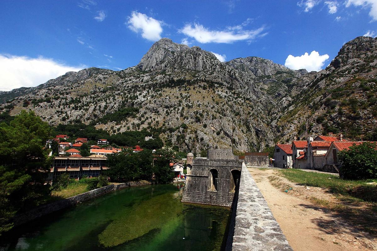 Zdjęcia: Mury miasta, Kotor, Rzeka Szkudra, CZARNOGÓRA