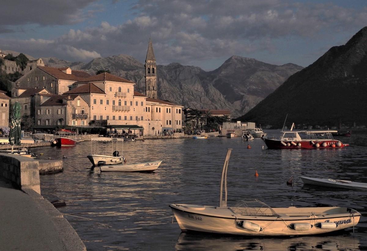 Zdjęcia: Perast, Zatoka Kotorska, resztki pięknego dnia..., CZARNOGÓRA