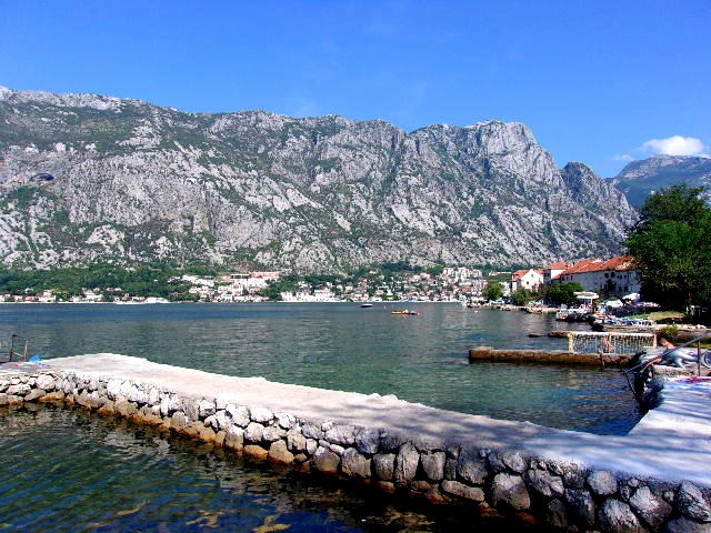 Zdjęcia: Prcanj, Boka Kotorska, Otulone górami, CZARNOGÓRA