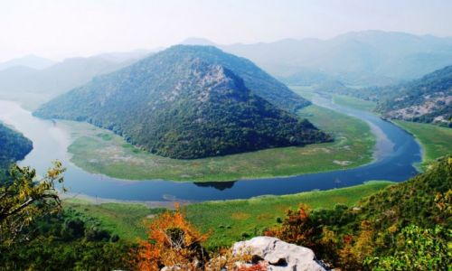 Zdjecie CZARNOGÓRA / - / Okolice jeziora szkoderskiego / Rijeka Crnojevica