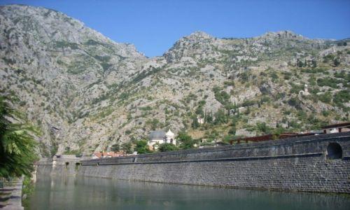 Zdjecie CZARNOGÓRA / Zatoka Kotorska / KOTOR / Fortyfikacja miasta