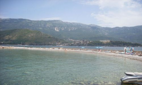 Zdjecie CZARNOGÓRA / Czarnogóra / Wyspa Sveti Nikola / Jedna z plaż na wyspie