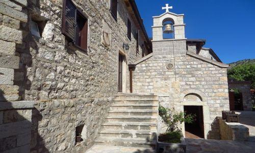 Zdjęcie CZARNOGÓRA / wybrzeże Czarnogóry / okolice Petrovacu / klasztor Rezevici