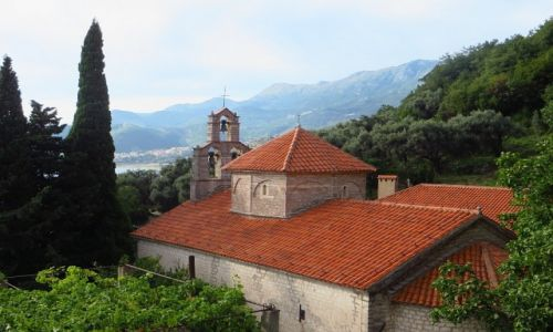 Zdjęcie CZARNOGÓRA / wybrzeże Czarnogóry / okolice Petrovacu / klasztor Praskvica