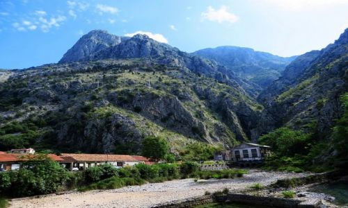 Zdjęcie CZARNOGÓRA / Boka Kotorska / Kotor / widok z murów obronnych