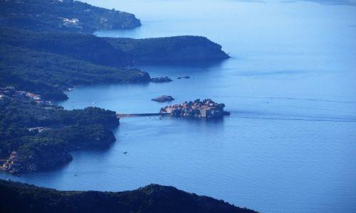 Zdjęcie CZARNOGÓRA / północna Czarnogóra / trasa Budva - P.N. Lovcen / panorama wyspy Św. Stefan