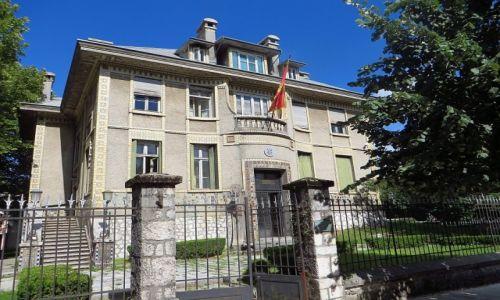 Zdjęcie CZARNOGÓRA / północna Czarnogóra / Cetinje / budynek Ambasady Francji 1876 - 1916