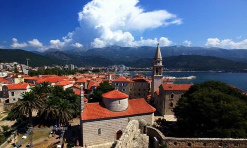 Zdjęcie CZARNOGÓRA / Budva / Cytadela / Stari Grad, na pierwszym planie od lewej: cerkiew św.Trójcy i katedra św. Jana Chrzciciela
