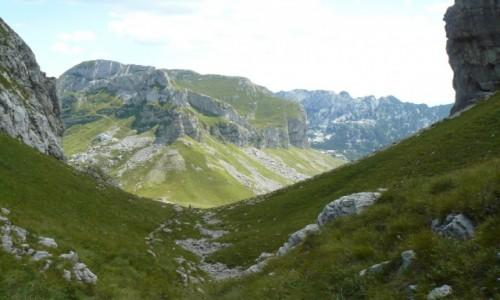CZARNOG�RA / Durmitor / szlak spod Bobotov kuk / Brama do doliny