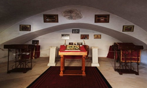 Zdjęcie CZARNOGÓRA / Budva  / Sveti Stefan  / Kaplica, wnętrze