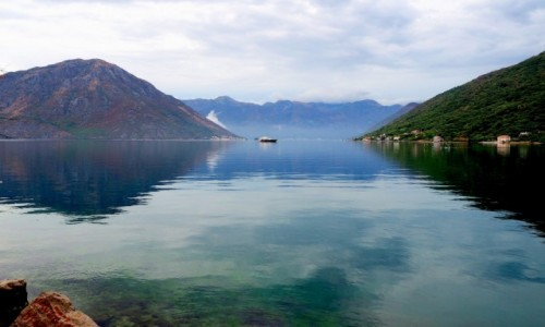 Zdjecie CZARNOGÓRA / - / Zatoka Kotorska / w Zatoce Kotorskiej...