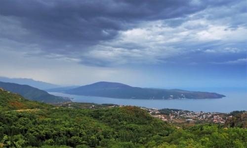 CZARNOGÓRA / Zatoka Kotorska / w drodze do Kotoru / nie wyglądało obiecująco...