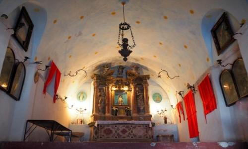 CZARNOGÓRA / Zatoka Kotorska / Kotor, Crkva Svete Gospe od zdravlja / skromne wnętrze...
