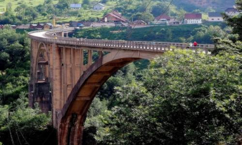 Zdjecie CZARNOGÓRA / Durmitor / Most Durdevića, Park Narodowy Durmitor / przerzucony nad kanionem Tary...